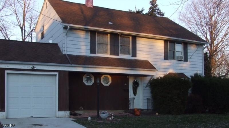 Частный односемейный дом для того Аренда на 6 Bates Court Franklin, 08873 Соединенные Штаты