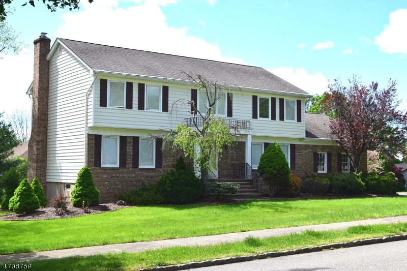 Single Family Home for Rent at 33 E Cheryl Road Montville, New Jersey 07058 United States
