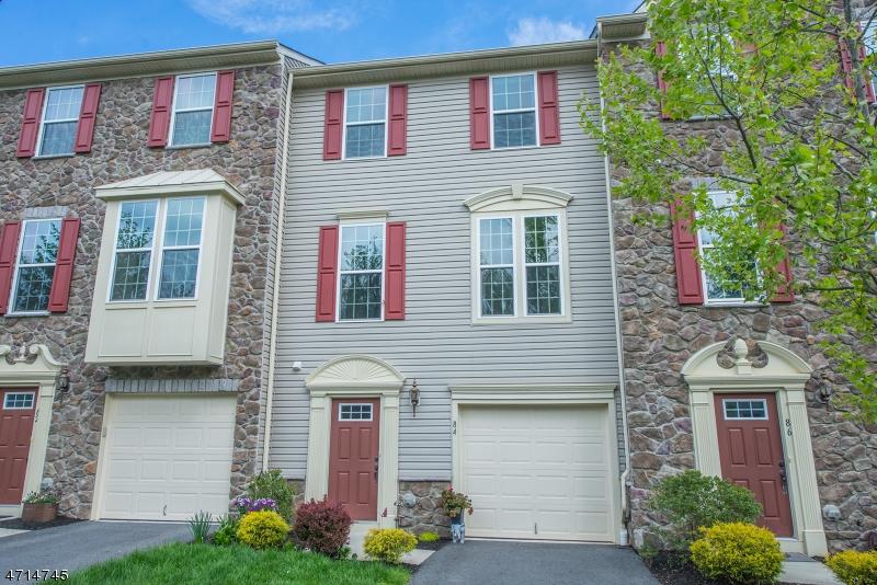 独户住宅 为 销售 在 84 Thomastown Road Mine Hill, 07803 美国