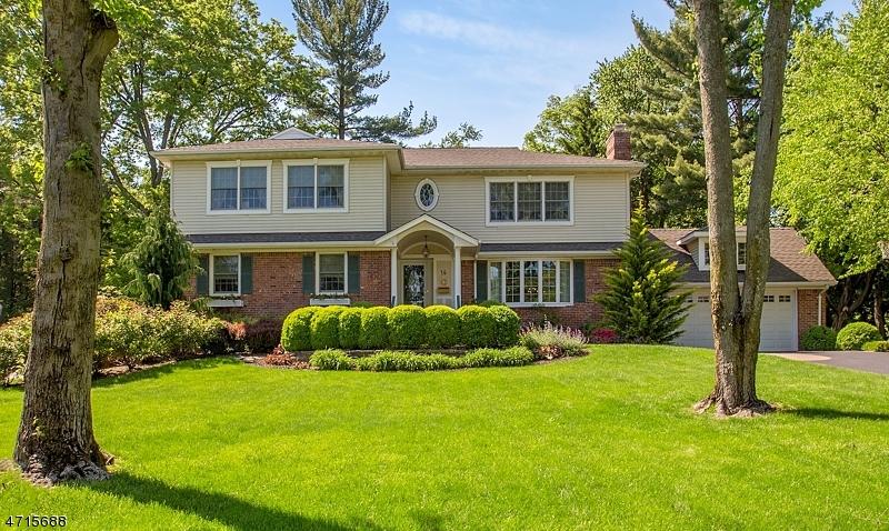 Casa Unifamiliar por un Venta en 14 Windham Place Glen Rock, Nueva Jersey 07452 Estados Unidos