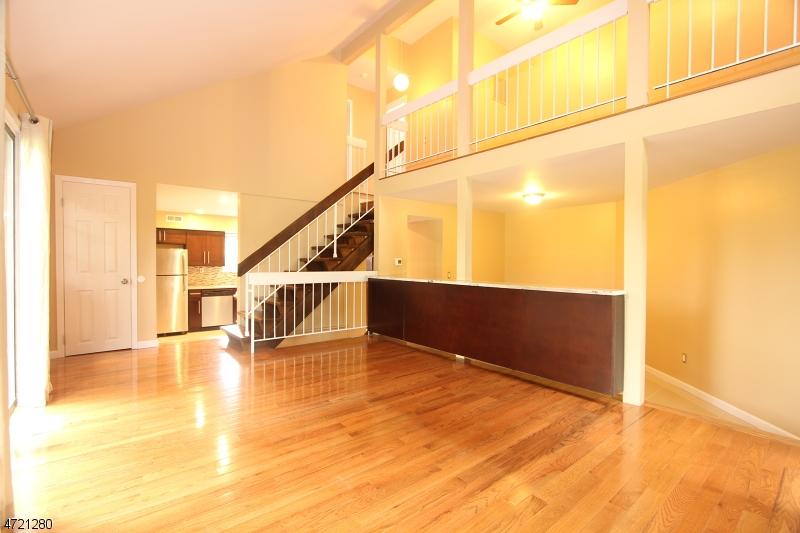 独户住宅 为 出租 在 51 Taurus Dr, 2A 希尔斯堡, 新泽西州 08844 美国