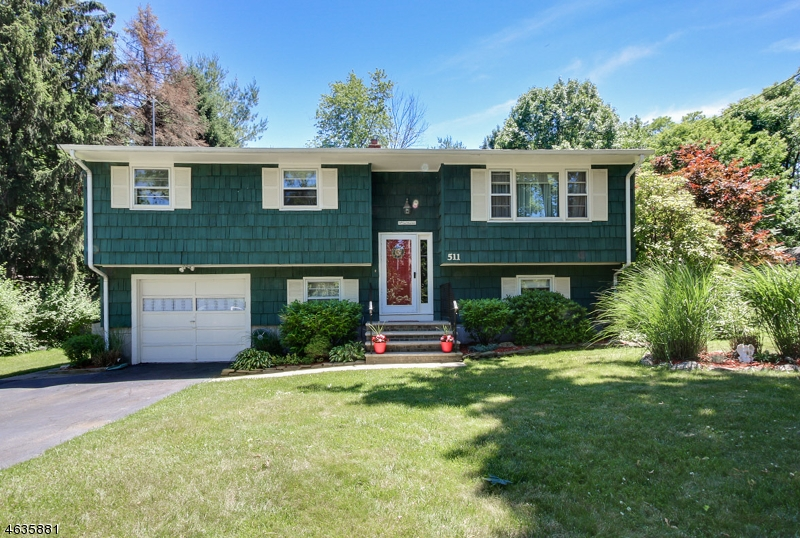 Single Family Home for Sale at 511 Cotluss Road Riverdale, New Jersey 07457 United States