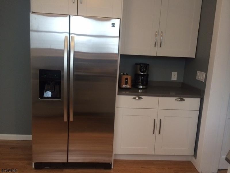 独户住宅 为 出租 在 39 Ridgeview Avenue 西奥兰治, 新泽西州 07052 美国