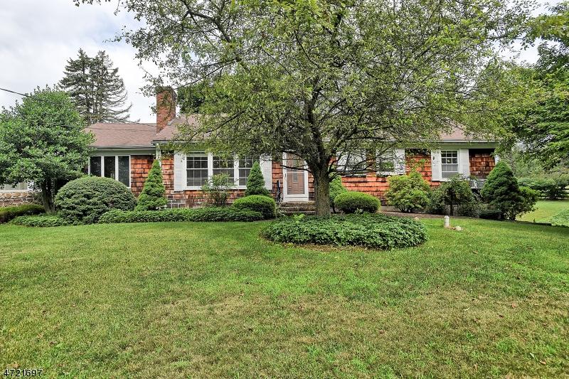 一戸建て のために 売買 アット 18 Parker Road Chester, ニュージャージー 07930 アメリカ合衆国