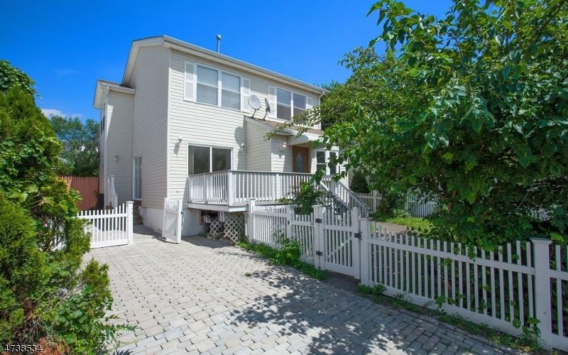 Casa Unifamiliar por un Venta en 330 Stover Avenue North Arlington, Nueva Jersey 07031 Estados Unidos
