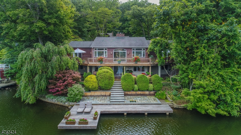 獨棟家庭住宅 為 出售 在 20 South Road Bloomingdale, 新澤西州 07403 美國