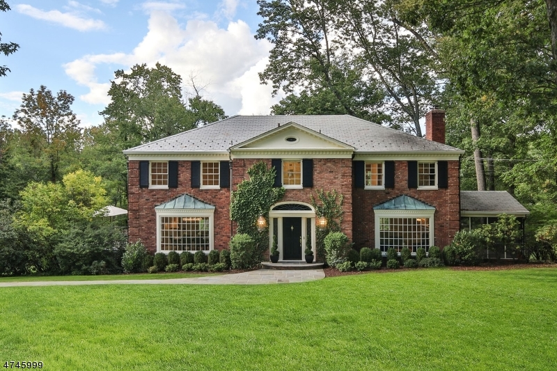 Single Family Home for Sale at 19 Stewart Road Essex Fells, New Jersey 07021 United States