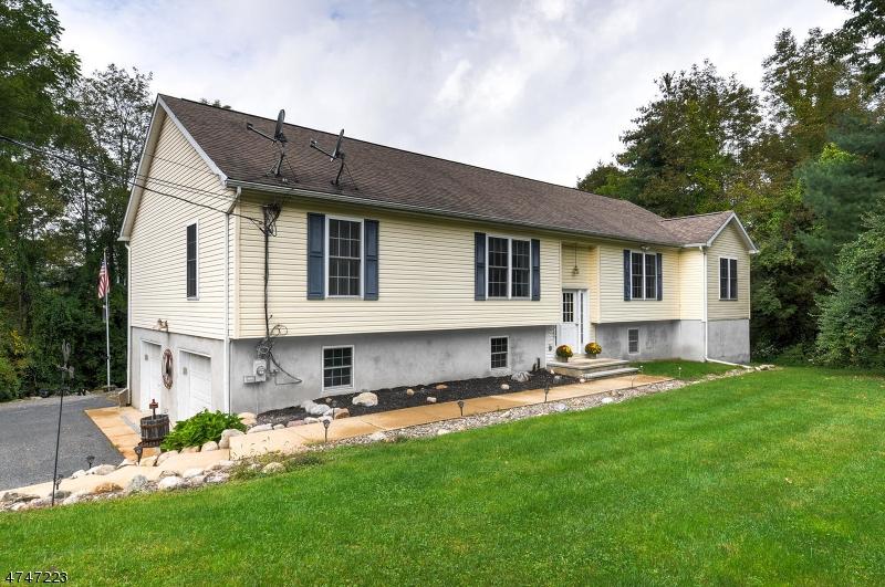 独户住宅 为 销售 在 146 River View Way Montague, 新泽西州 07827 美国