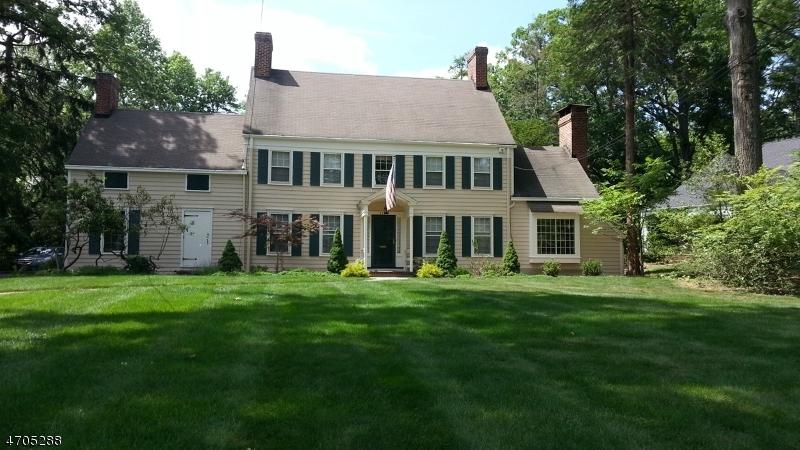 独户住宅 为 销售 在 1777 SLEEPY HOLLOW Lane 平原镇, 新泽西州 07060 美国