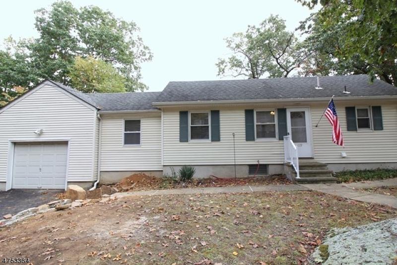 Частный односемейный дом для того Аренда на 119 Greenwood Avenue Wanaque, Нью-Джерси 07420 Соединенные Штаты