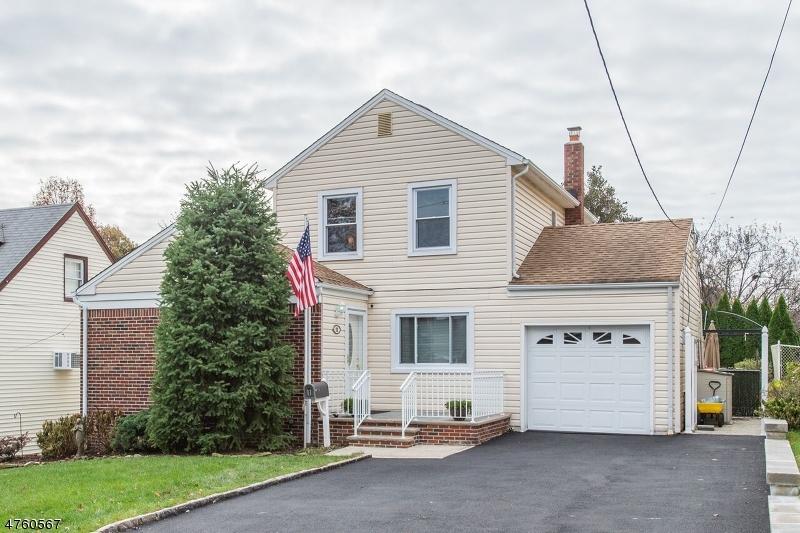 一戸建て のために 売買 アット 11 Cresthill Avenue 11 Cresthill Avenue Clifton, ニュージャージー 07012 アメリカ合衆国