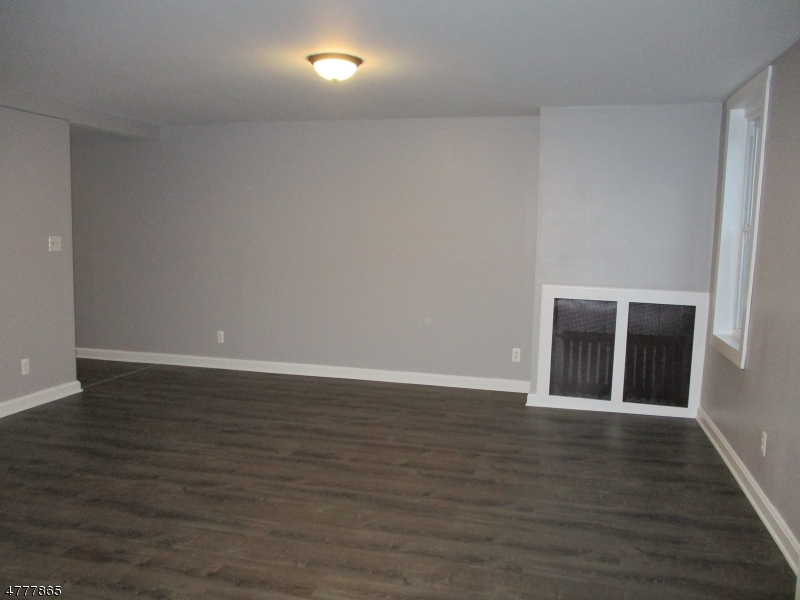 Single Family Home for Rent at 401 S Main Street Phillipsburg, New Jersey 08865 United States