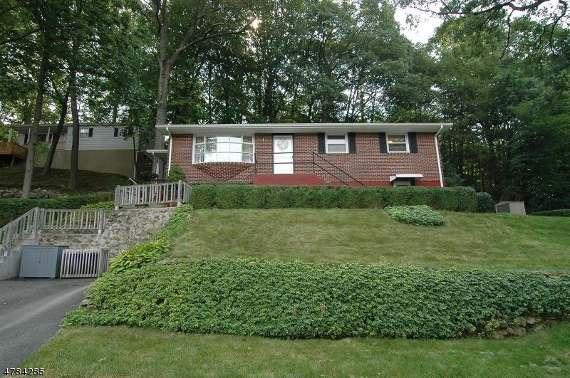 Casa Unifamiliar por un Venta en 21 Elizabeth Avenue Stanhope, Nueva Jersey 07874 Estados Unidos