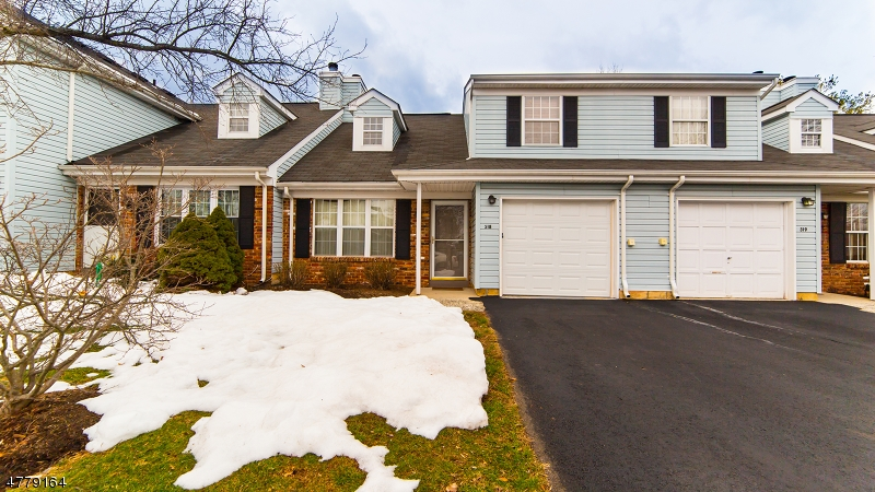 Casa Unifamiliar por un Venta en 318 Classon Court Franklin, Nueva Jersey 08873 Estados Unidos