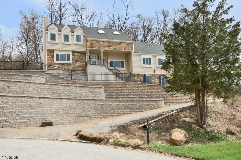 Частный односемейный дом для того Продажа на 112 Knob Hill Road Washington, Нью-Джерси 07840 Соединенные Штаты