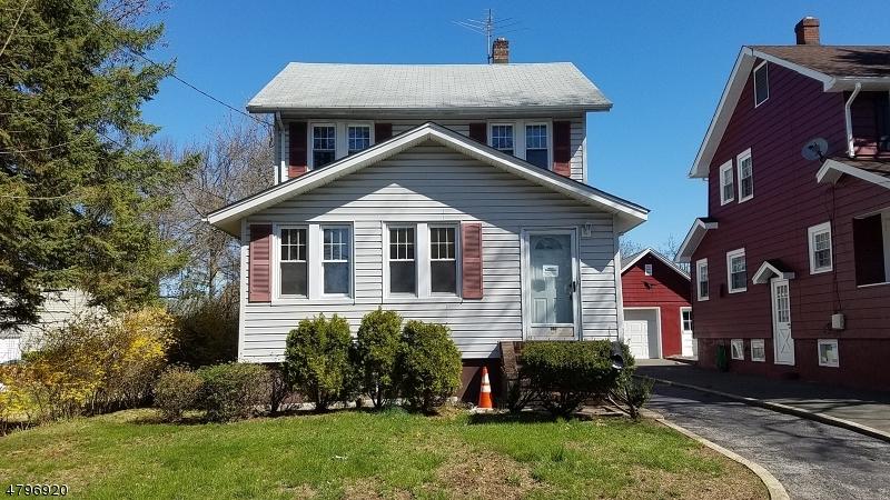 Villa per Vendita alle ore 267 Galvan Place Bergenfield, New Jersey 07621 Stati Uniti