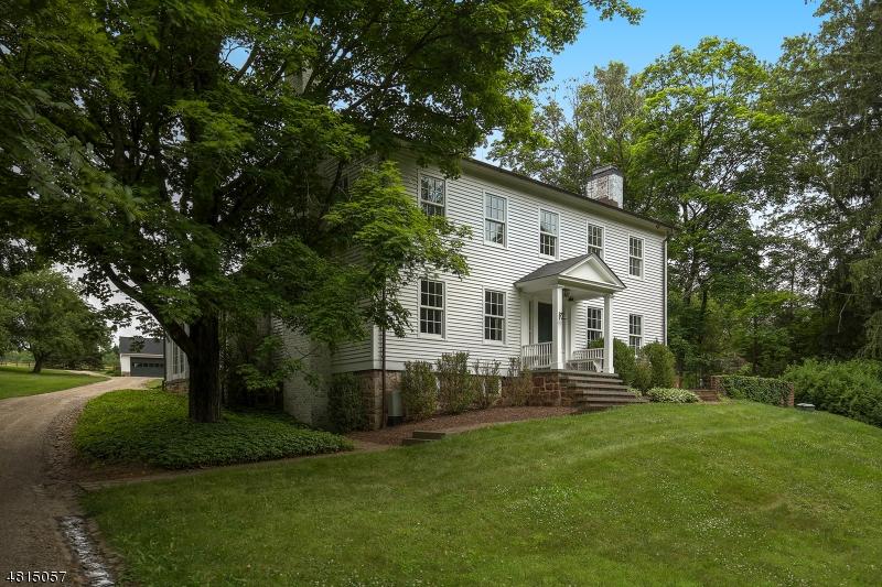 Частный односемейный дом для того Продажа на 50 HOLLAND Road Peapack Gladstone, Нью-Джерси 07977 Соединенные Штаты
