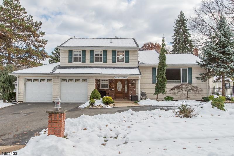 Enfamiljshus för Försäljning vid 37 CAMPBELL Road Fairfield, New Jersey 07004 Förenta staterna