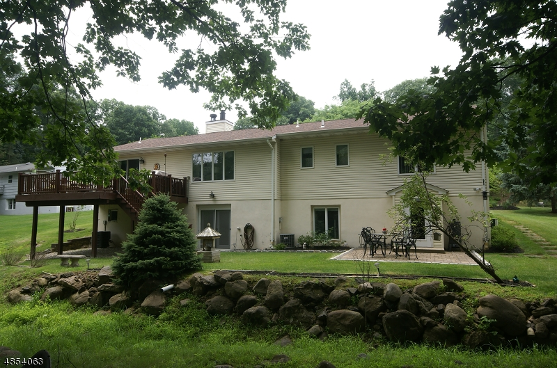 Single Family Home for Sale at 72 THORNTON Drive North Haledon, New Jersey 07508 United States