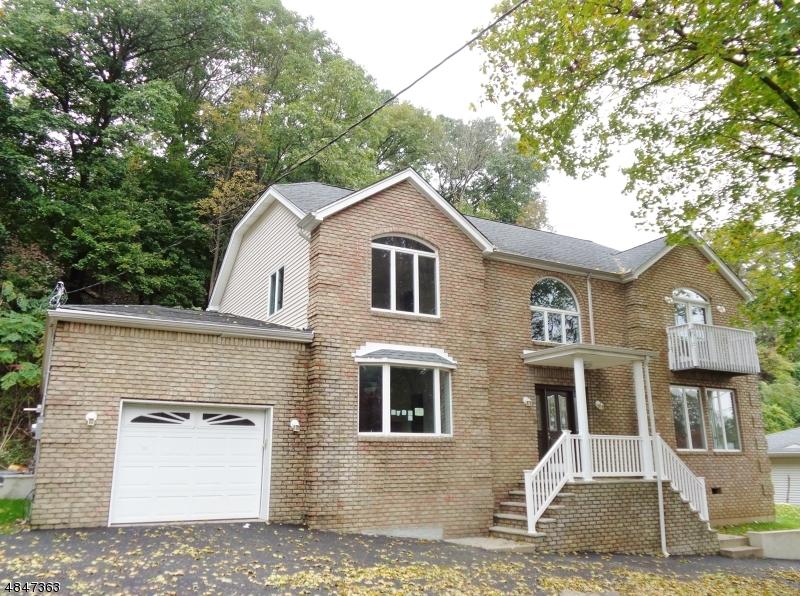 Частный односемейный дом для того Продажа на 508 RIFLE CAMP Road Woodland Park, Нью-Джерси 07424 Соединенные Штаты
