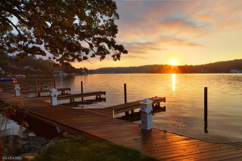 Condominium for Sale at 201 MARINER'S POINTE 201 MARINER'S POINTE Hopatcong, New Jersey 07843 United States