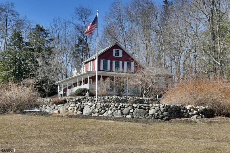 Maison unifamiliale pour l Vente à 227 SHADYSIDE Road Ramsey, New Jersey 07446 États-Unis