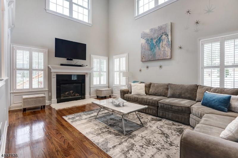 Частный односемейный дом для того Продажа на 2 BERNADETTE Court Springfield, Нью-Джерси 07081 Соединенные Штаты