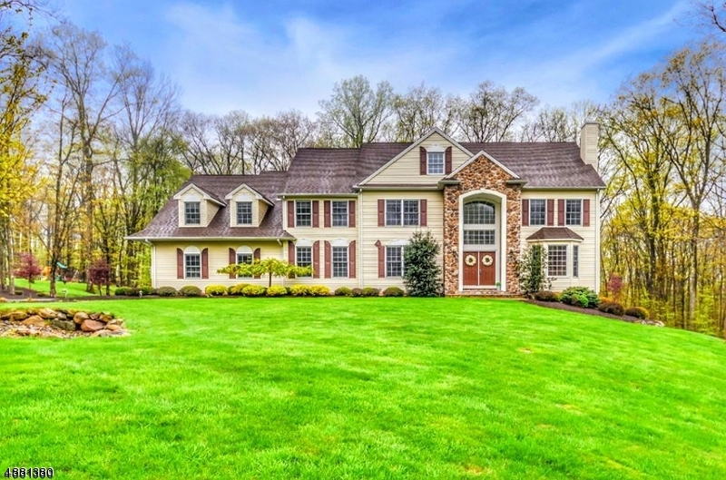 Single Family Home for Sale at Mount Olive, New Jersey 07836 United States
