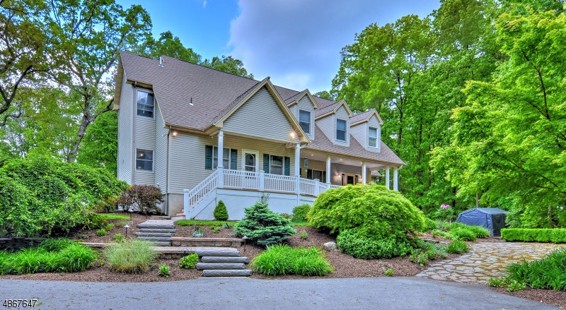 Single Family Homes per Vendita alle ore Fredon, New Jersey 07860 Stati Uniti