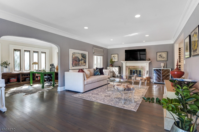 Single Family Homes para Venda às South Orange, Nova Jersey 07079 Estados Unidos