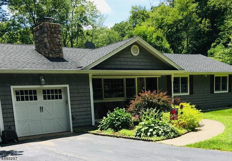 Single Family Homes per Vendita alle ore West Milford, New Jersey 07438 Stati Uniti