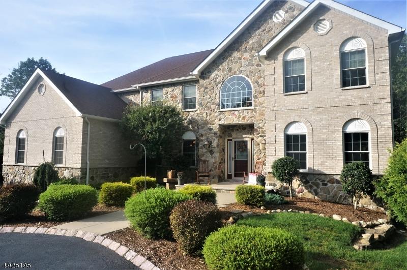 Single Family Homes для того Продажа на Andover, Нью-Джерси 07821 Соединенные Штаты