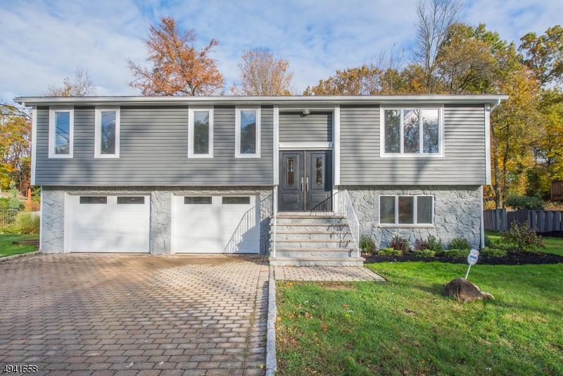 Single Family Homes för Försäljning vid Roseland, New Jersey 07068 Förenta staterna