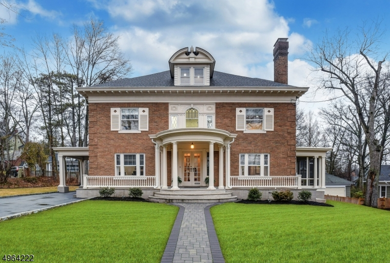 Single Family Homes por un Venta en Maplewood, Nueva Jersey 07040 Estados Unidos