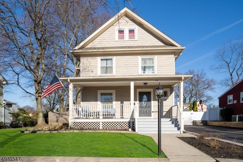 Single Family Homes per Vendita alle ore Dunellen, New Jersey 08812 Stati Uniti