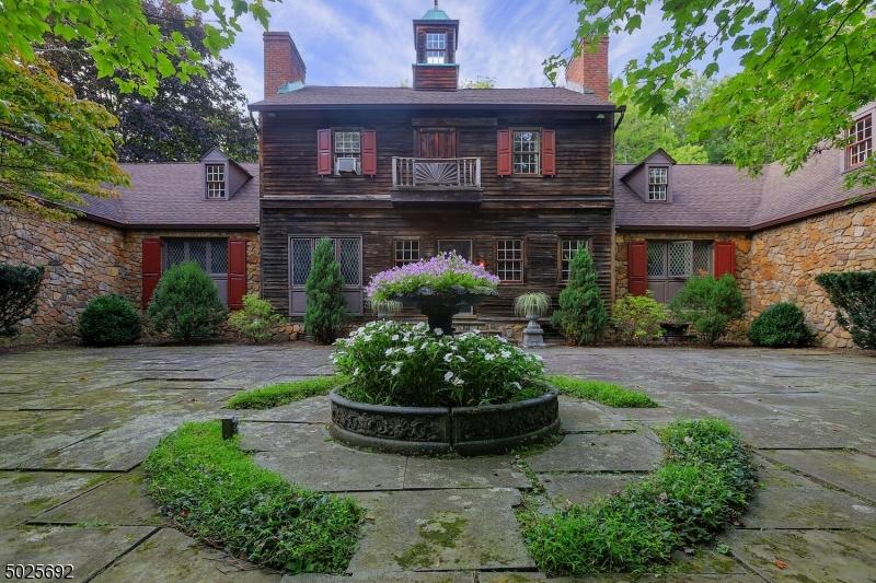 Single Family Homes für Verkauf beim Byram Township, New Jersey 07874 Vereinigte Staaten