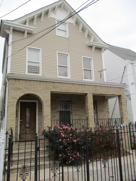 Additional photo for property listing at 77 Irving Street  Newark, Nueva Jersey 07104 Estados Unidos