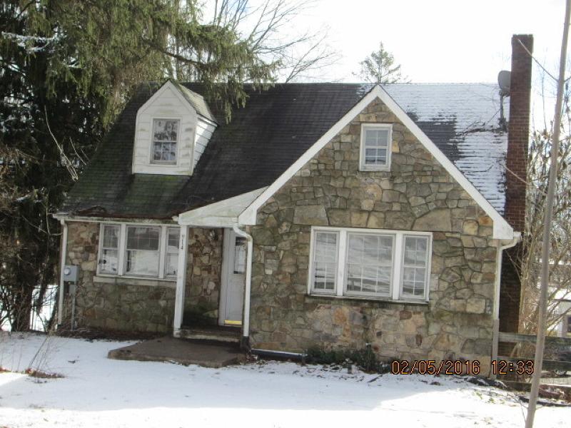 Частный односемейный дом для того Продажа на 14 Amwell Road Flemington, Нью-Джерси 08822 Соединенные Штаты