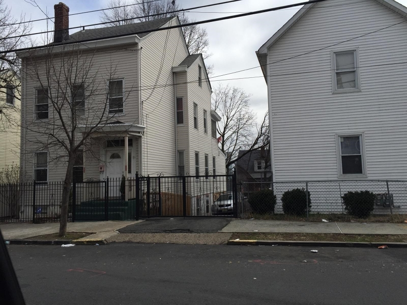 Additional photo for property listing at 88-90 N 4TH Street  Paterson, Нью-Джерси 07522 Соединенные Штаты