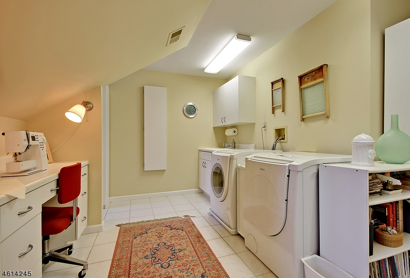 Additional photo for property listing at 7 Ponds Edge Lane  Warren, New Jersey 07059 États-Unis