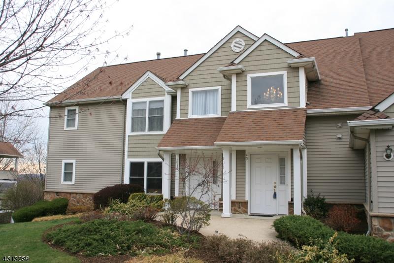 Casa Unifamiliar por un Venta en 43 BOURNE CI Hamburg, Nueva Jersey 07419 Estados Unidos