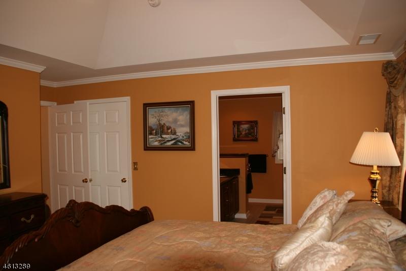 Additional photo for property listing at 43 BOURNE CI  Hamburg, Nueva Jersey 07419 Estados Unidos