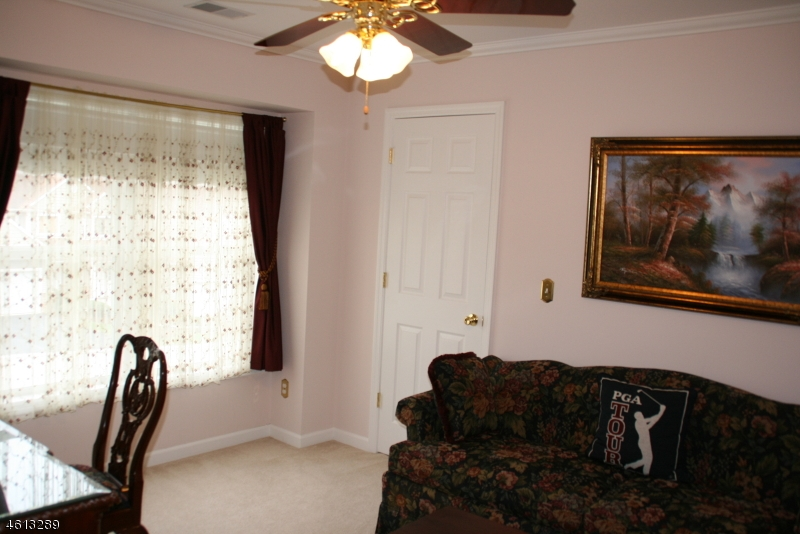 Additional photo for property listing at 43 BOURNE CI  Hamburg, New Jersey 07419 United States