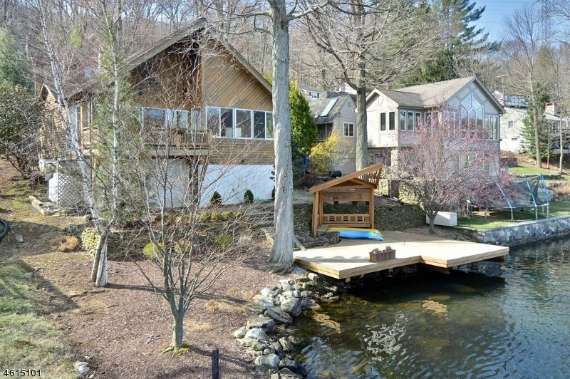 Additional photo for property listing at 56 Birch Pkwy  Sparta, New Jersey 07871 États-Unis