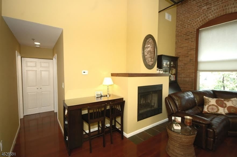 Additional photo for property listing at 220 Main St, UNIT 304  Little Falls, Нью-Джерси 07424 Соединенные Штаты