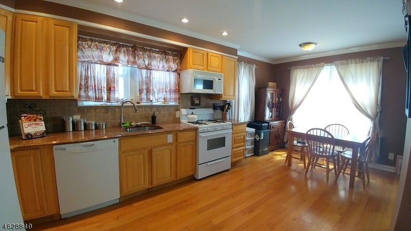 Additional photo for property listing at 1413 Summit Place  Union, New Jersey 07083 États-Unis