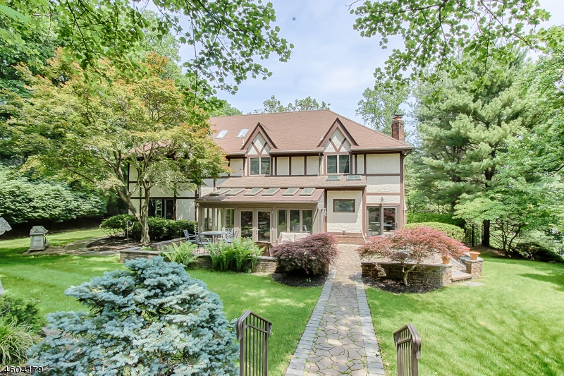 Additional photo for property listing at 14 BEACHMONT TER  Caldwell, New Jersey 07006 États-Unis