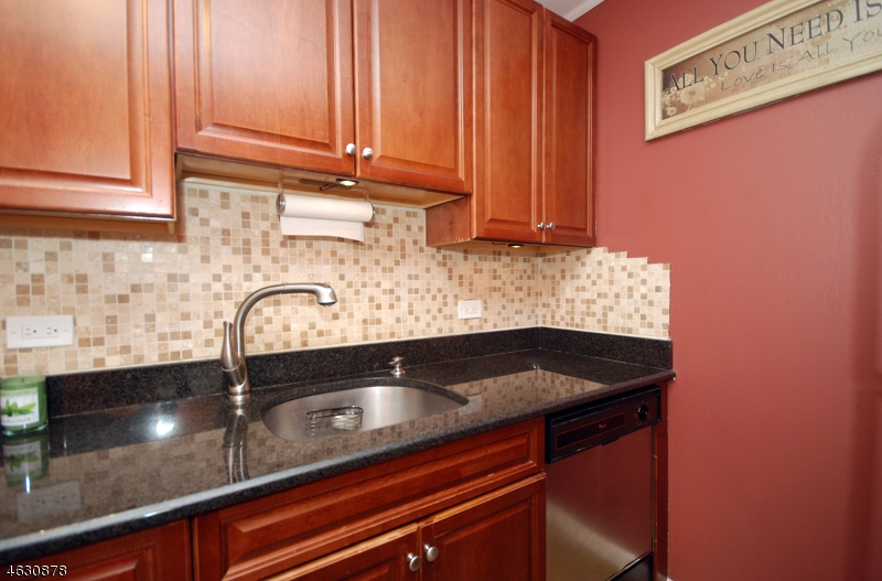 Additional photo for property listing at 240 Main St, UNIT 113  Little Falls, New Jersey 07424 United States
