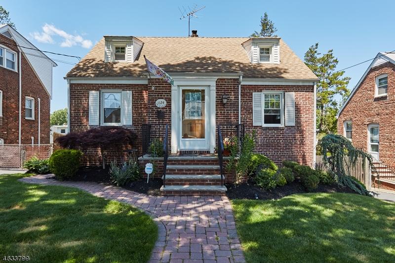 Maison unifamiliale pour l Vente à 1124 Bushnell Street Union, New Jersey 07083 États-Unis