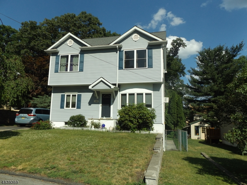 Additional photo for property listing at 129 Tulsa Trail  Hopatcong, Nueva Jersey 07843 Estados Unidos
